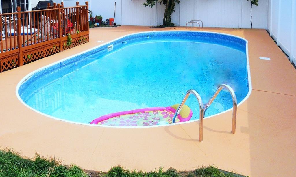 Rubberdecky Pool deck refinishing